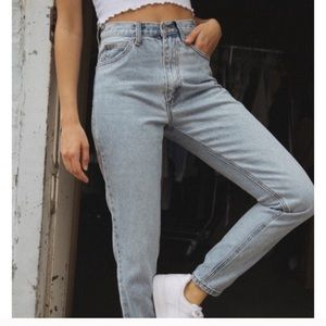 NWT Brandy Melville High Waisted Mom Jeans